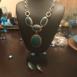 Teal and Silvertone Pendant Bib Necklace